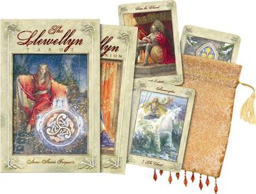 Bild på Llewellyn Tarot (Book & 78-Card Deck)