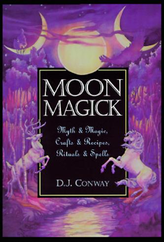Bild på Moon Magick: Myth & Magic, Crafts & Recipes, Rituals & Spells