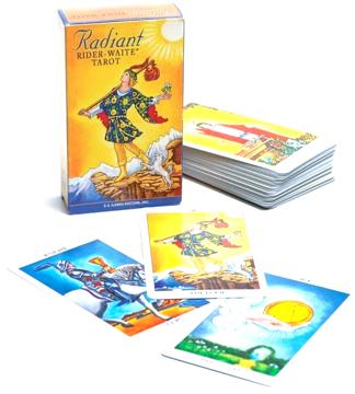 Bild på Radiant Rider Waite Tarot Deck