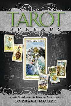 Bild på Tarot spreads - layouts and techniques to empower your readings